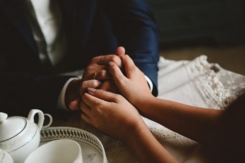 10 неща, които да гравирате на сватбения си пръстен