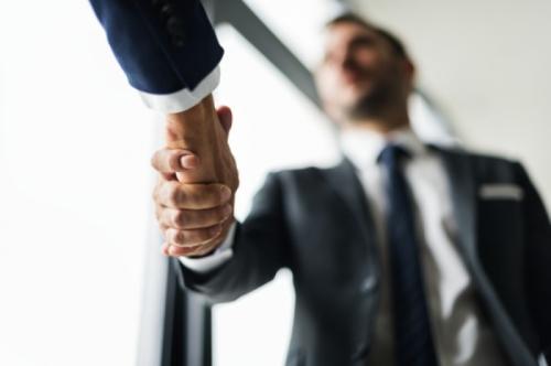 Сребро за бизнес партньор: представителност, красота и дълговечност