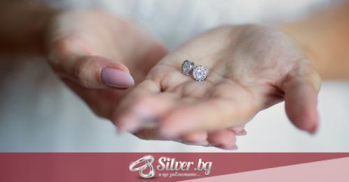 Модерни сребърни обици с камъни