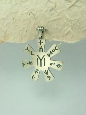 Медальон M31