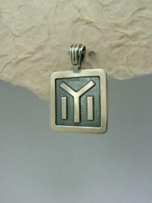 Медальон M21