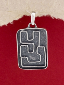 Медальон P22