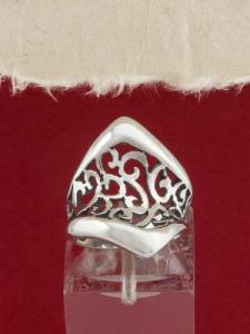 Сребърен пръстен - R247