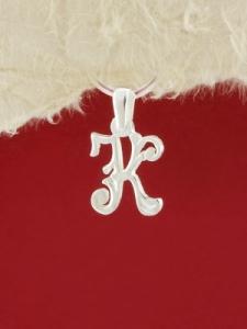 Сребърен медальон буква К - P324