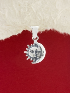 Сребърен медальон P151