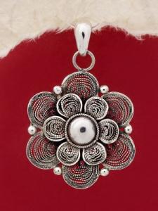 Сребърен медальон филигран STP108