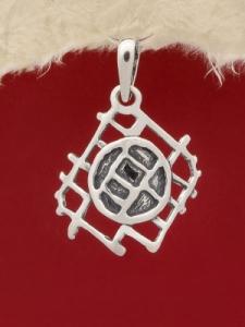 Медальон P122