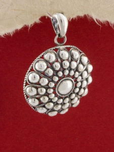 Сребърен филигранен медальон - STP133