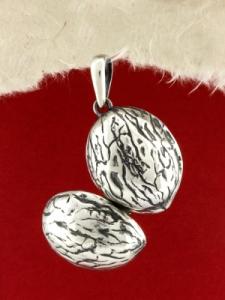 Сребърен медальон - P339