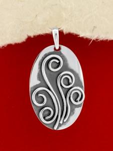 Ръчно изработен сребърен медальон - SP36