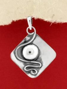 Ръчно изработен сребърен медальон - SP40