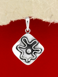 Ръчно изработен сребърен медальон - SP41