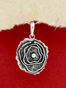 Ръчно изработен сребърен медальон - SP51