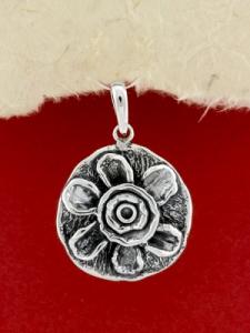 Ръчно изработен сребърен медальон - SP60