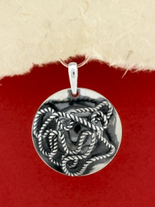 Ръчно изработен сребърен медальон - SP62