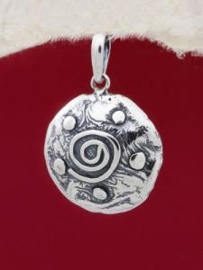 Ръчно изработен сребърен медальон - SP54