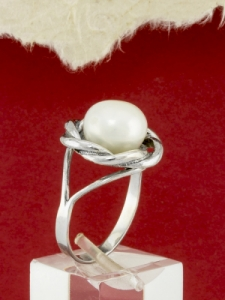 Сребърен пръстен с перла - RK0092.10