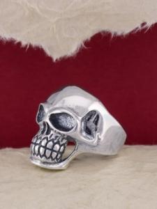 Сребърен пръстен с череп - R171
