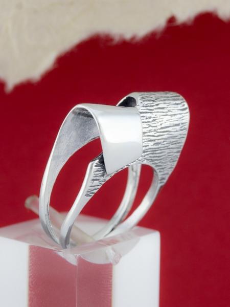 Сребърен пръстен - R177