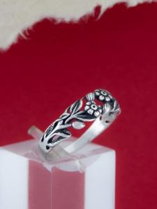 Сребърен пръстен - R184