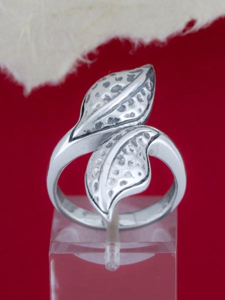 Сребърен пръстен - R185
