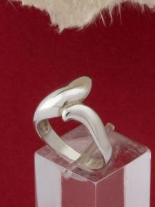 Сребърен пръстен - R182