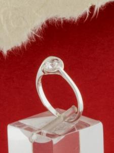 Сребърен пръстен с циркон - R048S
