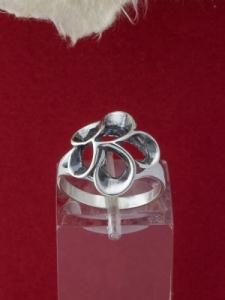 Сребърен пръстен - R348