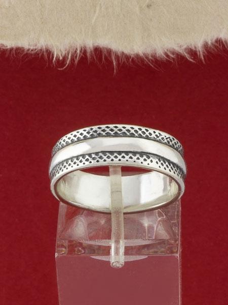 Сребърен пръстен - R104