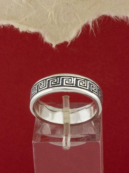 Сребърен пръстен - R101