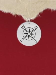 Сребърен медальон за гравиране - Компас - GR62