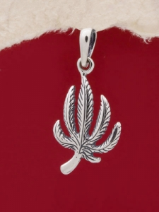Сребърен медальон - P496