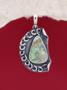 Сребърен медальон със седеф - SPK001