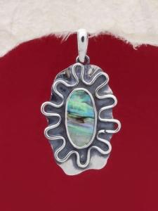 Сребърен медальон със седеф - SPK006