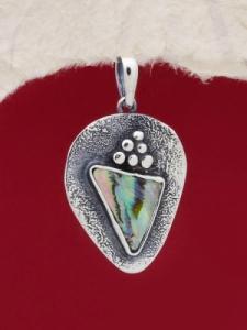 Сребърен медальон със седеф - SPK015
