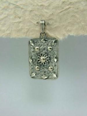 Медальон от сребърен филигран - PB41