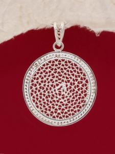 Медальон от сребърен филигран - PE74